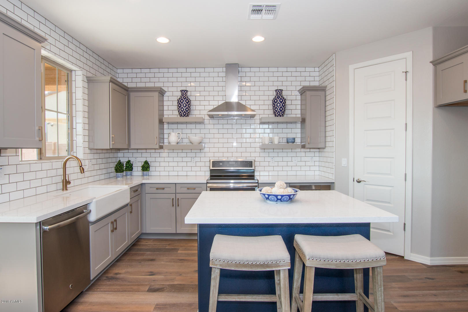 top kitchen trends in 2017 - gray cabinets