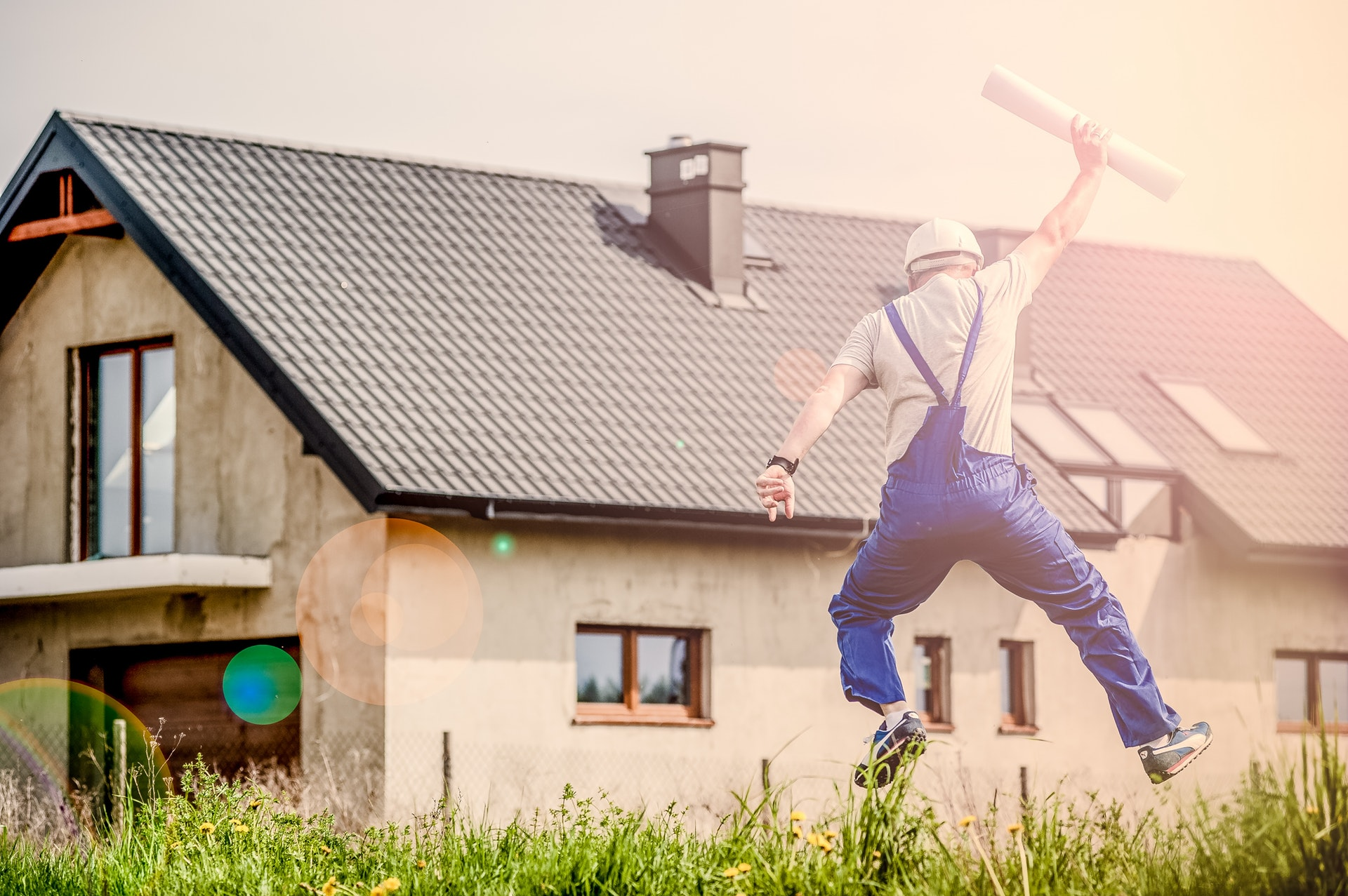 How To Buy a Fixer-Upper Home Without Breaking the Bank!